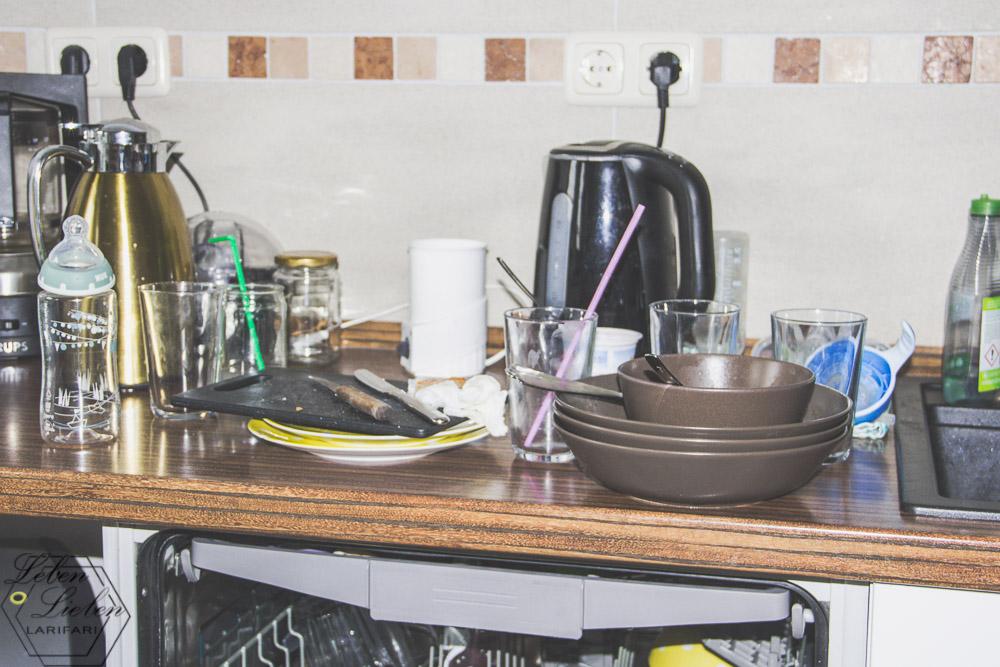 die Küche versinkt im Chaos
