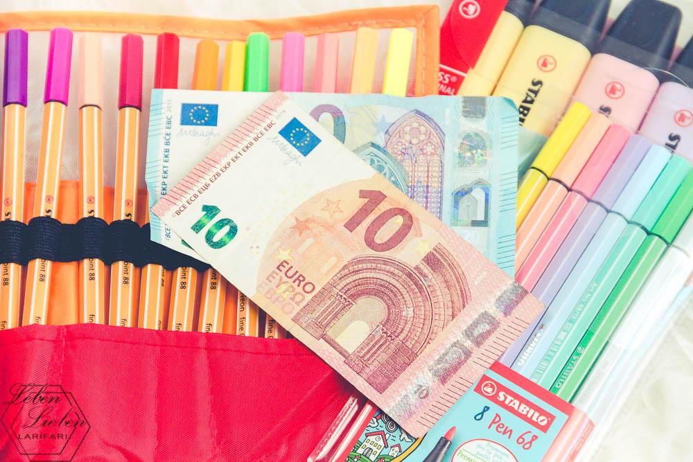 Geschenk zum Schuljahresende - Geld und Stifte