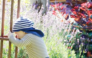 Durchschlafen, Sprechen und ein Komiker – 18 Monate Jona