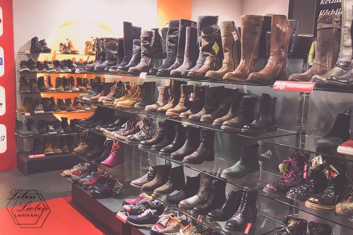Einzelhandel - im Schuhfachgeschäft
