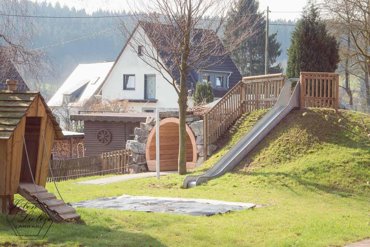 der Außenbereich am Kinderhaus - neu, gern bespielt und sehr beliebt
