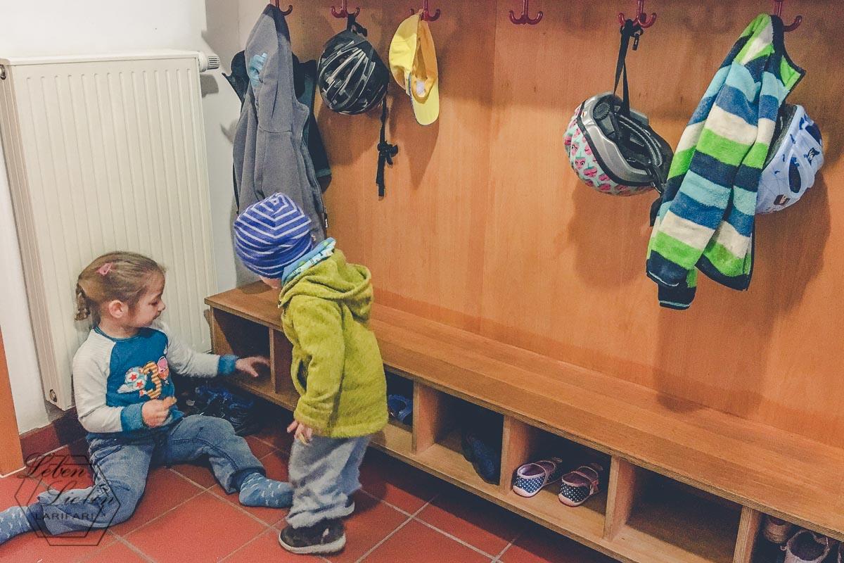 Zeitig am Kinderhaus, wir sind fast die ersten