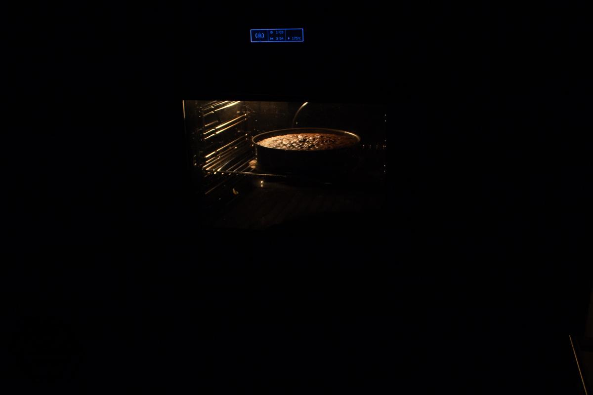 Geburtstagsvorbereitungen - der Kuchen ist im Ofen