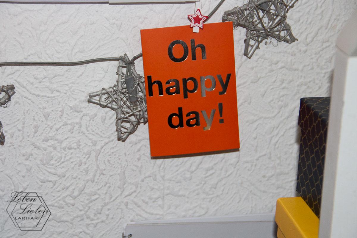 Geburtstagskarte zu den Lieblingen hängen