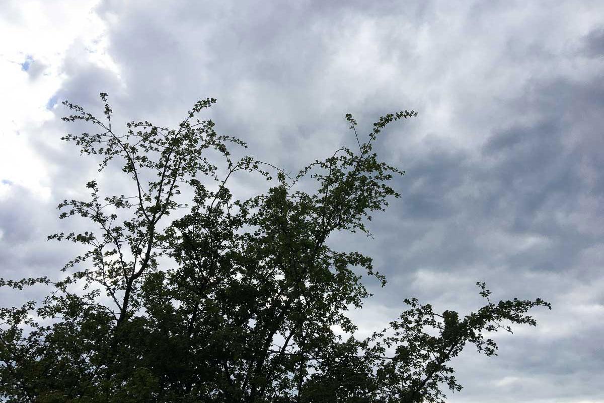 Der Himmel zieht sich zu