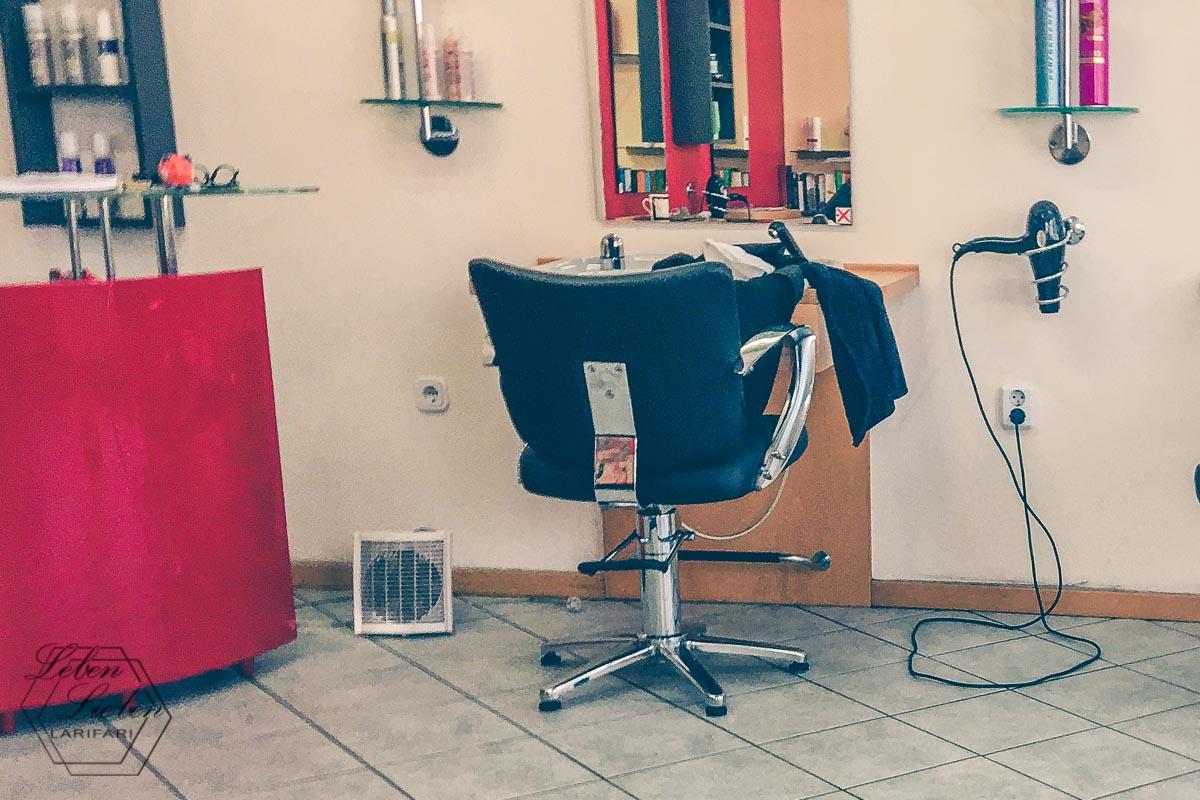 Termin: beim Friseur für Lotte und Mo ausmachen