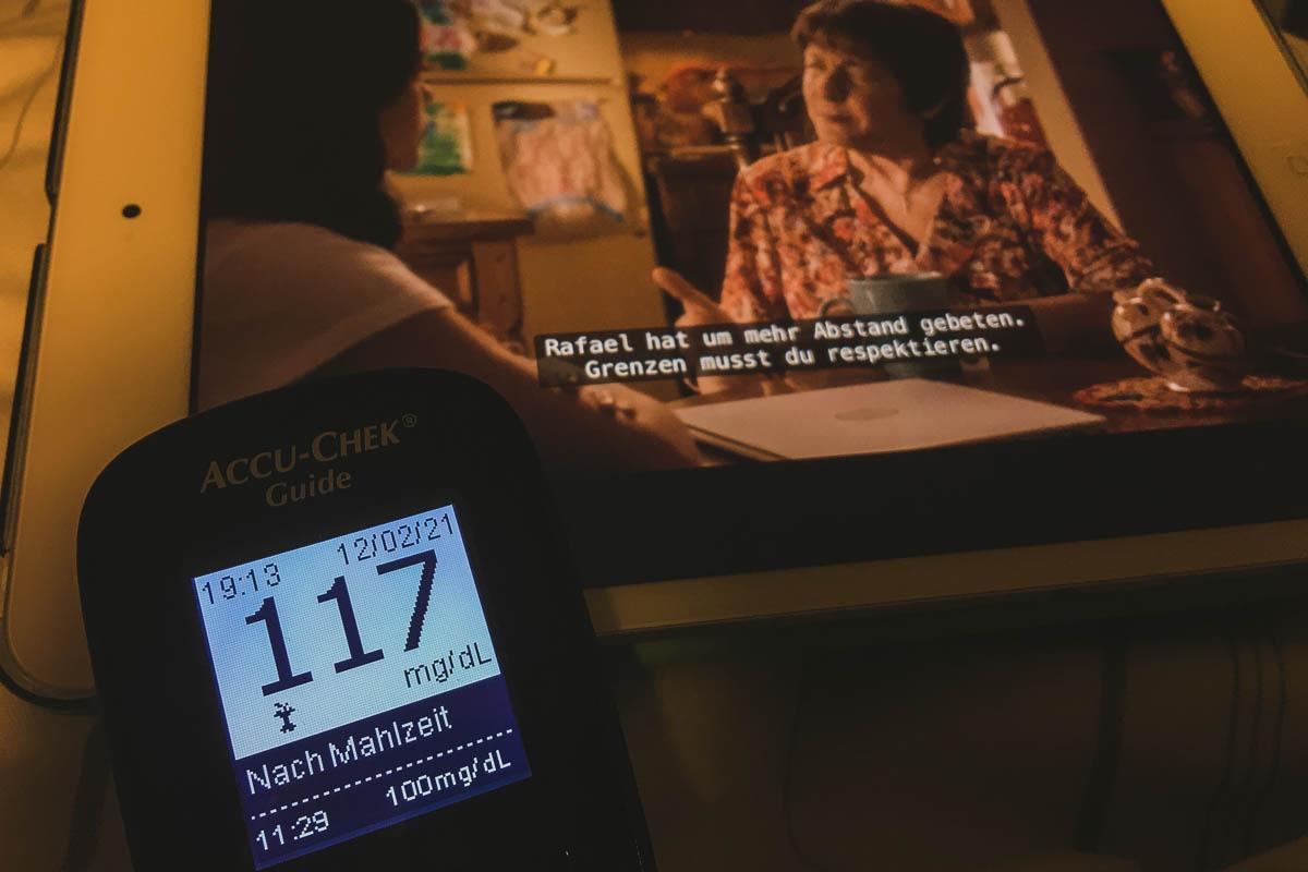 Blutzucker messen und Serie schauen: Wert ok